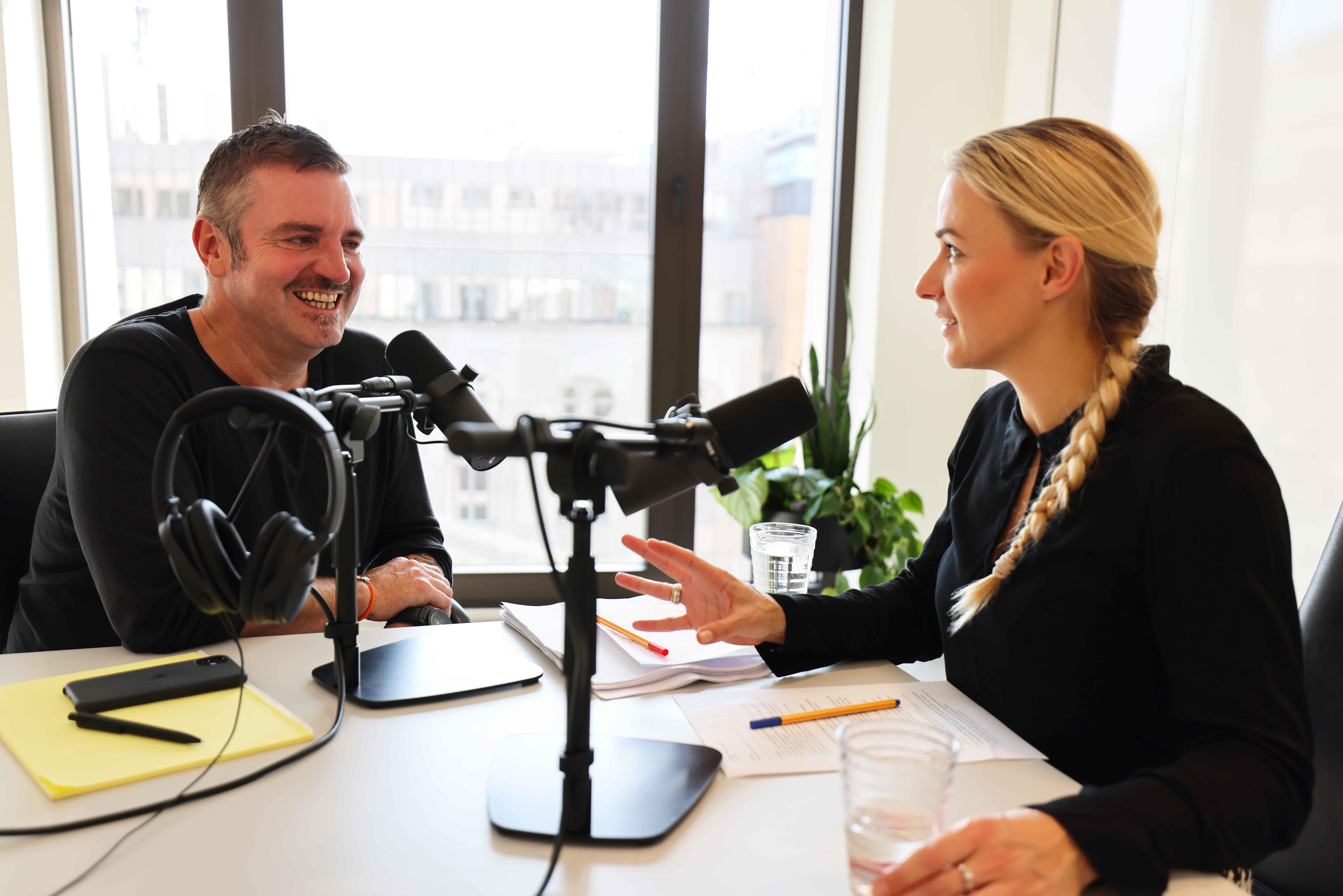 Podcast-Aufnahme-Thomas-Fuchs-und-Julia-Hammer
