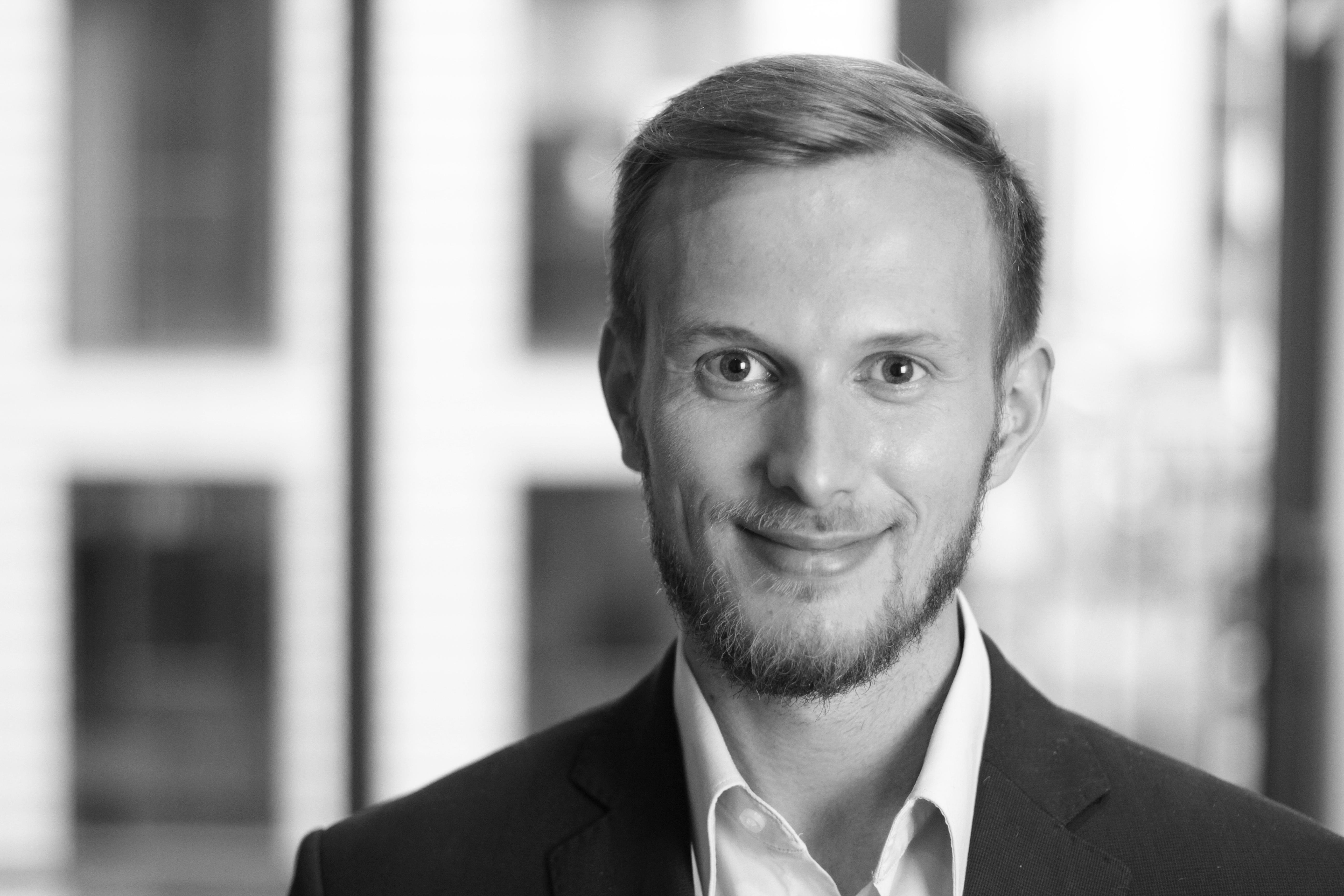 Felix Dosch, Senior Consultant bei enomyc
